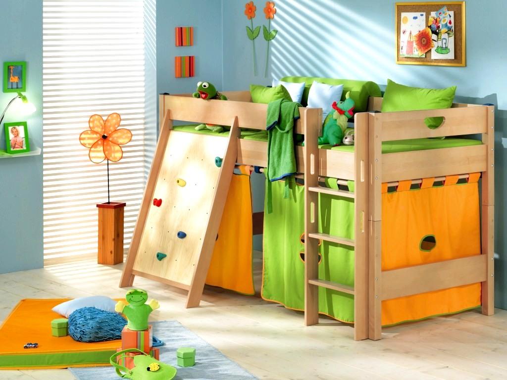 Детские кровати в магазине Гранд-Мебель в Санкт-Петербурге